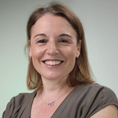 Mme Carole Muggler